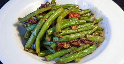 لوبیا سبز تند (غذای هندی)