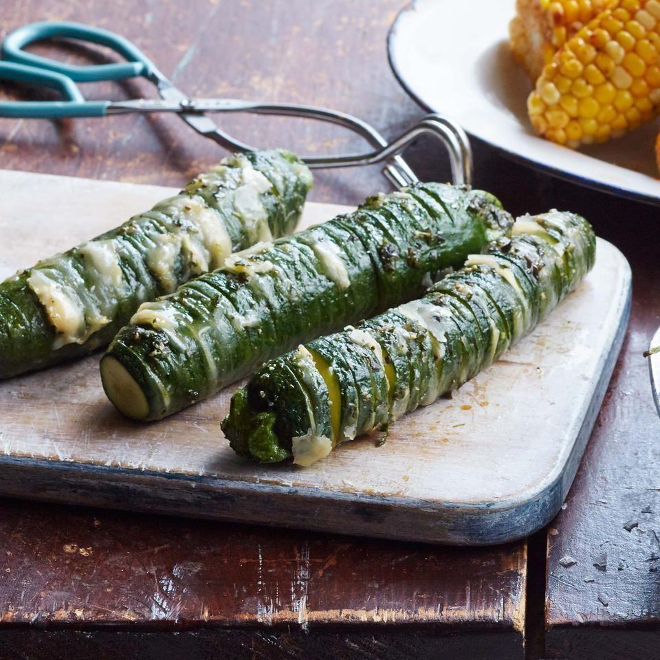 کدو سبز به همراه پنیر پارمسان و پودر سیر