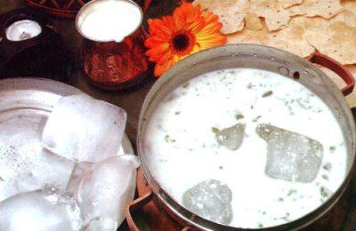 اگر میخواهید غذایی متفاوت را تجربه کنید آش یخ را که یکی از غذاهای سنتی آذربایجانیهاست به شما پیشنهاد میکنیم.
